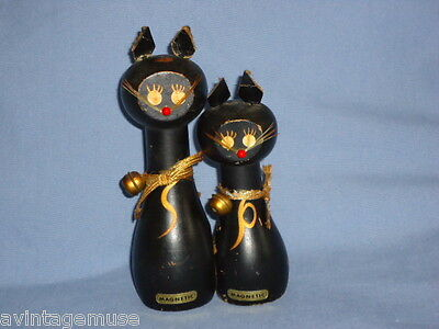KITTIES 2 CATS Wooden HAND PAINTED MAGNETIC S+P VTG Salt & Pepper SHAKERS NM