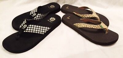 Sanuk Sandals Shoes, Yellow Flip Flops Shoes Womens Size 11 LOT 2 PAIR Slip On