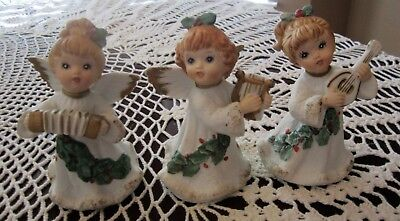 Vintage HOMCO ANGELS #5252 Holly & Gold Trim Playing Harp Mandolin & Accordion