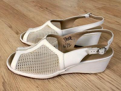 Vintage 1940's 1950's White Leather & Mesh Wedges Flats Shoes!
