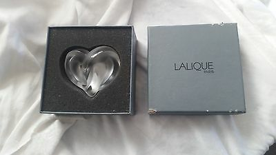 Authentic Lalique Clear Crystal Entwined Knotted Heart Paperweight in Box