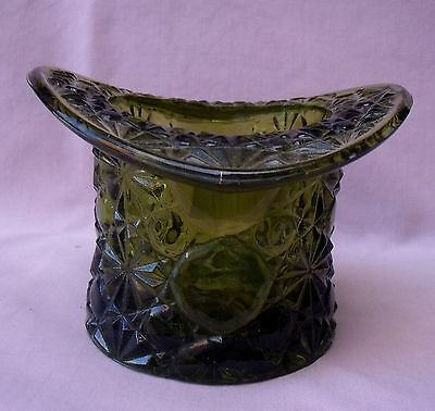 "WRIGHT SMITH FENTON  DAISY and BUTTON GREEN HAT VASE 3 1/4"" CIGARETTE HOLDER"