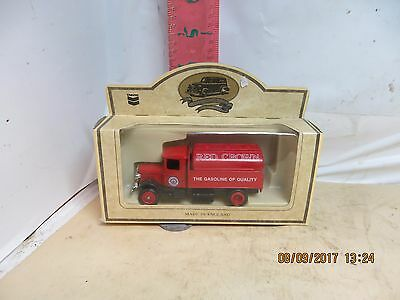 Lledo Die Cast Chevron Delivery Truck - Red Crown , 1934 Mack Tank , Made In Uk