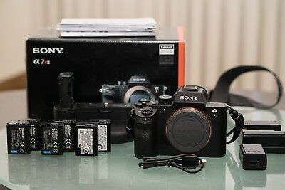 Sony Alpha a7R II — With 6 Batteries, Grip and two chargers