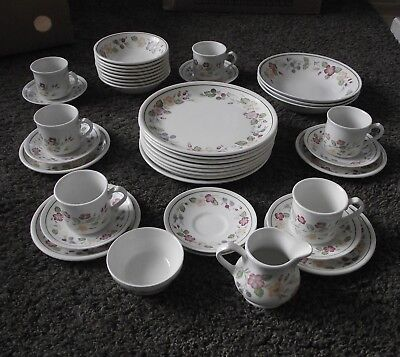 BILTONS - `COUNTRY Lane` Pattern - Made for Woolworths -Tableware ...