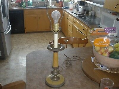 Tell City Chair Antique Yellow and Brass Electric Lamp A4507