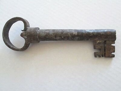 Large Antique Iron Primitive Jail Cell Old Gate Skeleton Key, 7 1'2""