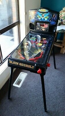 Alien Assault Pinball Machine (Free Standing) Top Condition. As Pictured.