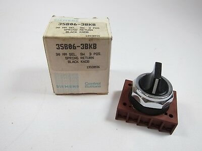 New Siemens 3SB06-3BKB Spring Return Black Knob 3 Position Selector Switch