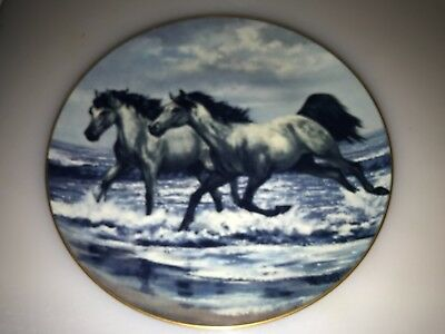 """1981 SIGNED Violet Parkhurst HORSES IN ACTION """" THE CHALLENGE """" Plate"""