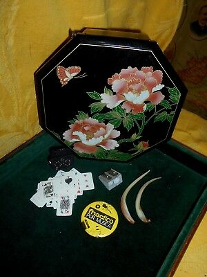 antique mixed lot, box lacquered with music, badge, pencil sharpeners, teeth