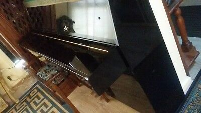Yamaha Piano Shiny Black Model C108