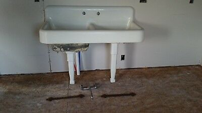 Antique 1926 Large Double Bowl Farm Farmhouse Sink With Legs