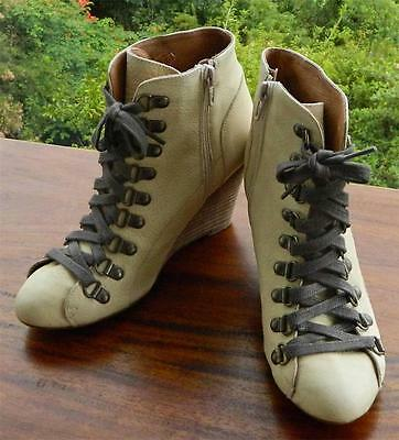 VINTAGE Carvela Rock Chic Leather Lace up Ankle Boots Size 37