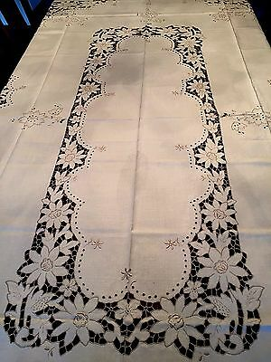 """Absolutely Exquisite Hand Embroidered MADEIRA Tablecloth 103"""" x 70"""" & 6 Napkins"""