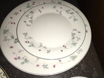 Royal Doulton Expressions STRAWBERRY FAYRE Pink Flowers Salad & Dinner Plate