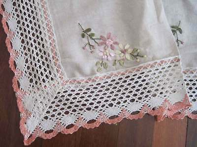 Beautiful Hand Silk Ribbon Daisy Embroidery Mixed Color Crochet Lace Topper