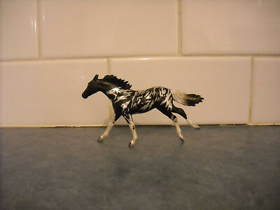 Breyer Stablemate Sr Masquerade Pearly Black Pinto Stencilled Body Thoroughbred