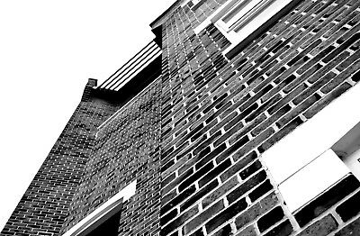 Architecture Photography B&W 7.83MB | Size 5862 x 3844 | Bricks and Angels