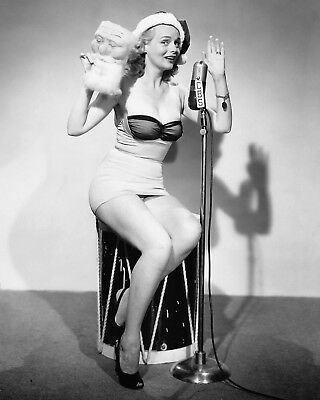8X10 PUBLICITY PHOTO AB-526 ACTRESS GALE ROBBINS PIN UP