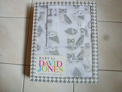 Owls 3 Piece Cot Sheet Set Gift Boxed