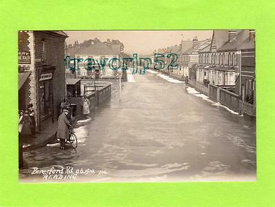 Beresford Road Reading Floods Flooding 1910 RP pc used Ref C360