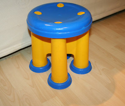 """MOLTO Toddler Boy / Girl Bright Little Plastic Chair 11"""" High"""