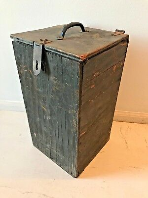 Vintage Rustic Wood Farmhouse Primitive Lantern Box with Latch Lid and Handle OF