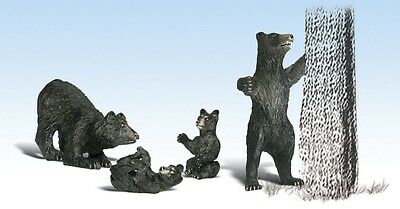 Woodland Scenics - Harry Bear and Family (G scale)  - A2551