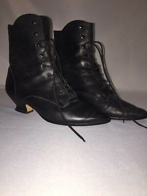Vintage Ladies Victorian Black Ankle Boots Leather Upper Lace Up 7.5 B Granny