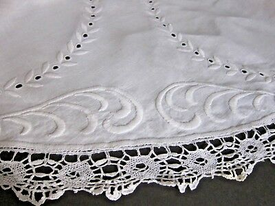 "Vtg/Antique White Linen 48"" Round Cluny Lace~ Satin Stitch Embroidery Tablecloth"