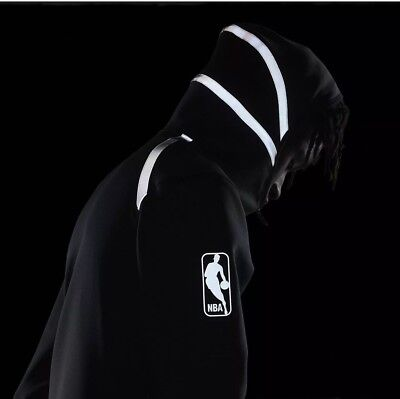 e038718ac Nike New York Knicks NBA 2018 THERMA FLEX Showtime Black Reflective Hoodie  SMALL