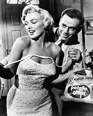 """Marilyn Monroe & Tom Ewell """"The Seven Year Itch"""" - 8X10 Publicity Photo (Ab-635)"""