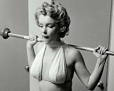 Marilyn Monroe Iconic Sex Symbol And Actress - 8X10 Publicity Photo (Ab-659)