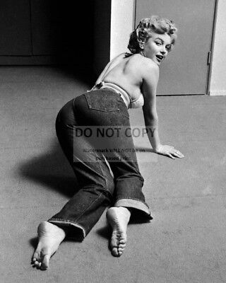 Marilyn Monroe Iconic Sex Symbol And Actress - 8X10 Publicity Photo (Ab-662)