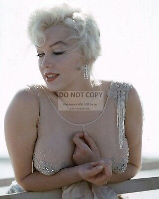 Marilyn Monroe Iconic Sex Symbol And Actress - 8X10 Publicity Photo (Ab-663)