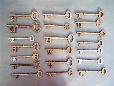 Job lot of 20 antique & vintage old lock keys