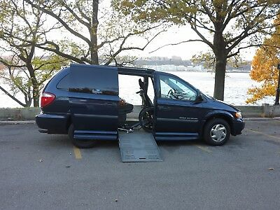 2006 Dodge Grand Caravan SE Handicapped Van:  Dodge Grand Caravan 2006 Braun Conversion