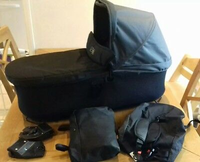 Mountain buggy duet carrycot plus and raincover