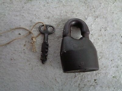 Antique Vintage Patent Pending Padlock With Key Lock Gate