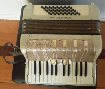Hohner Accordian STUDENT VM Made in Germany, FREE POSTAGE