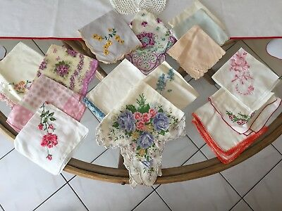 15 Vintage Women Ladies Floral Handkerchiefs Hankies, Lot Of 15