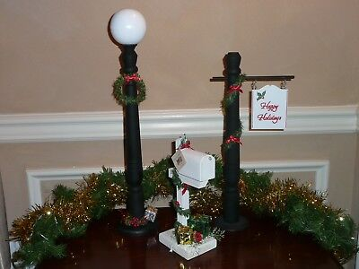 Christmas Signpost, Mailbox, & Street Light Accessories 4 Byers Choice Carolers