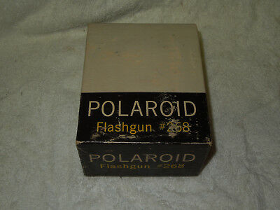 vintage Camera Polaroid Flashgun # 268 and 18 Flashbulbs clear bulbs flashes