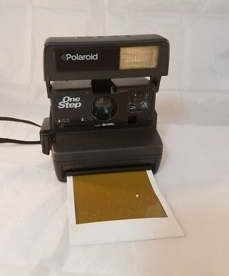 Vintage Polaroid One Step Instamatic Camera W/Strap 600 film tested & working