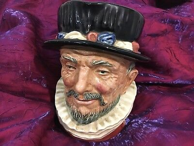 Royal Doulton Toby Jug Beefeater CORP 1946 England D 6206