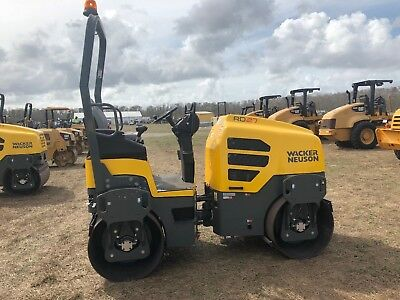 2017 Wacker Neuson RD27-120 Double Drum Vibrating Roller Compactor - Only 4 Hrs