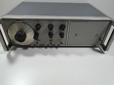 HP HEWLETT PACKARD 3300A Function Generator ( We Also Have 3304A Plug In )