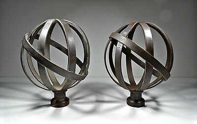 Antique 19th Century Round Ball´s Pair Post Finial in Bronze