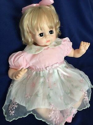 """MADAME ALEXANDER 18"""" PUSSY CAT Vintage 1977 Crier Baby Doll w/Box"""